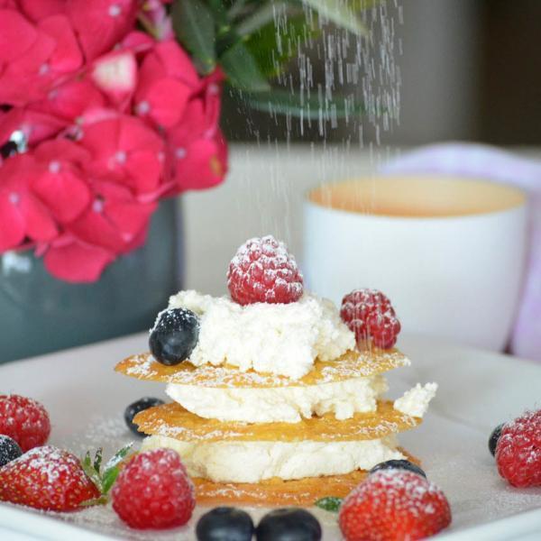 COOK and ENJOY Rezept Mille-feuille mit Sahnejoghurt und Früchten der Saison