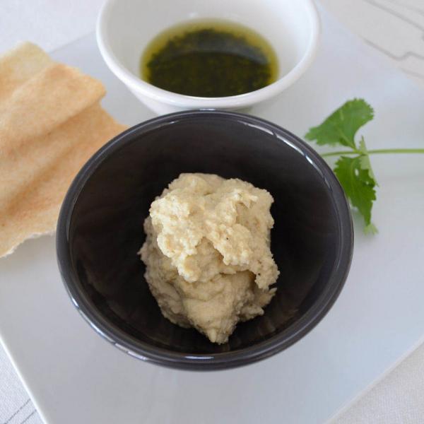 COOK and ENJOY Rezept Hummus-Kichererbenmus mit Koriander Pesto und Fladenbrot