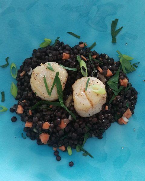 COOK and ENJOY Rezept Belugalinsensalat mit Jakobsmuscheln