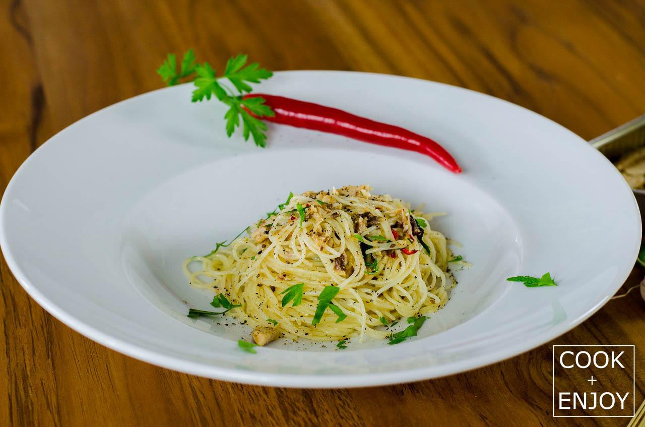 COOK and ENJOY Rezept Capellini aglio olio e peperoncino con sardine