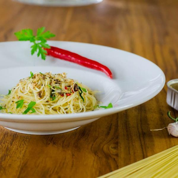 COOK and ENJOY Rezept Capellini aglio olio e peperoncino con sardine