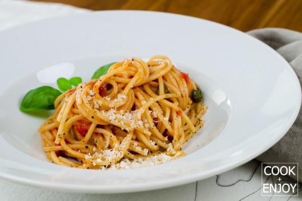 COOK and ENJOY Rezept Pasta mit Tomatensauce